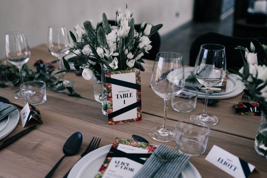 décoration table noir et blanc-Bastide saint julien-DelphinaCphotographie