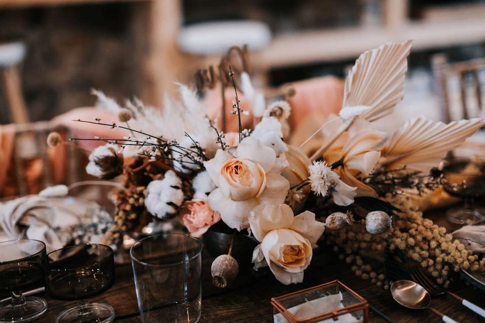 décoration florale lourmarin