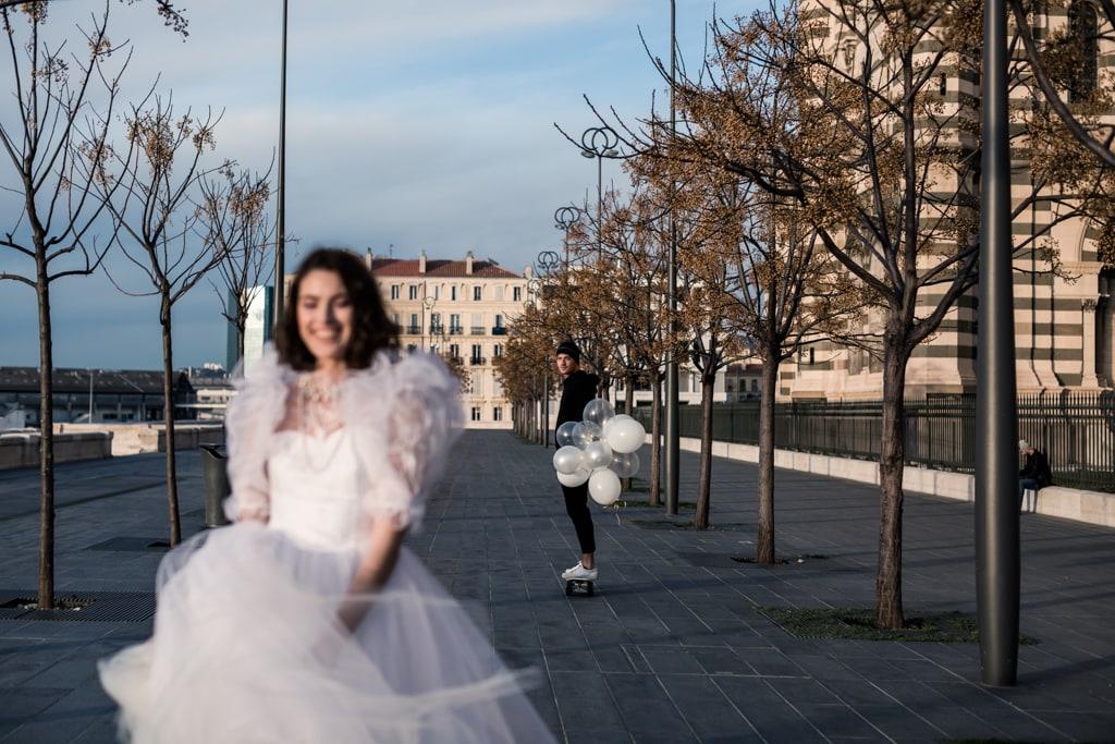 couple de mariées modernes à Marseille