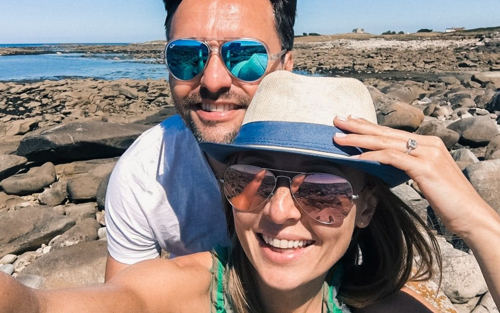 Blog - article Coup de foudre en Autriche et mariage en Provence - Selfie du couple fiançailles