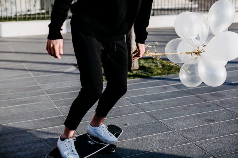 Longboard et Ballons à Marseille - mariage éco-responsable-Blog Delphine Closse