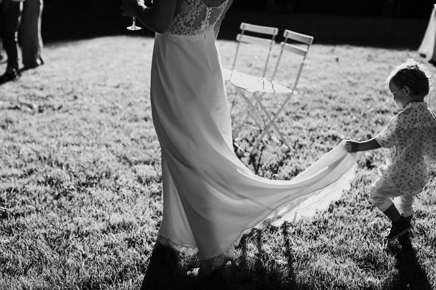 Robe de mariée au chateau du Griffon-Delphine Closse