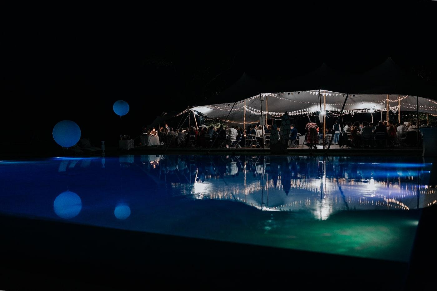 soirée et repas près de la piscine au chateau du Griffon-Delphine Closse