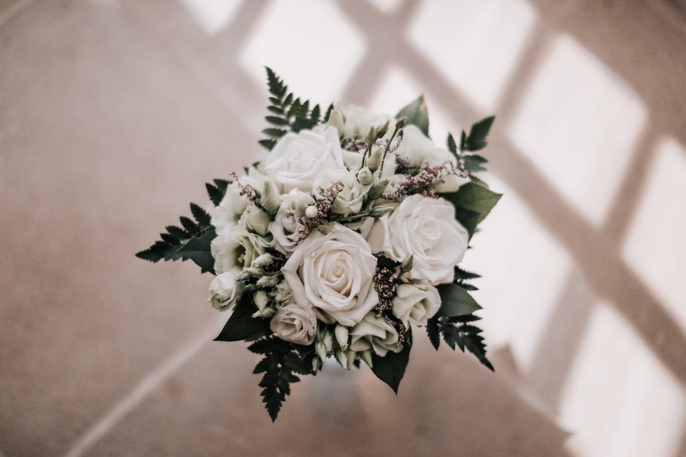 bouquet de fleur de mariée au chateau du Griffon-Delphine Closse