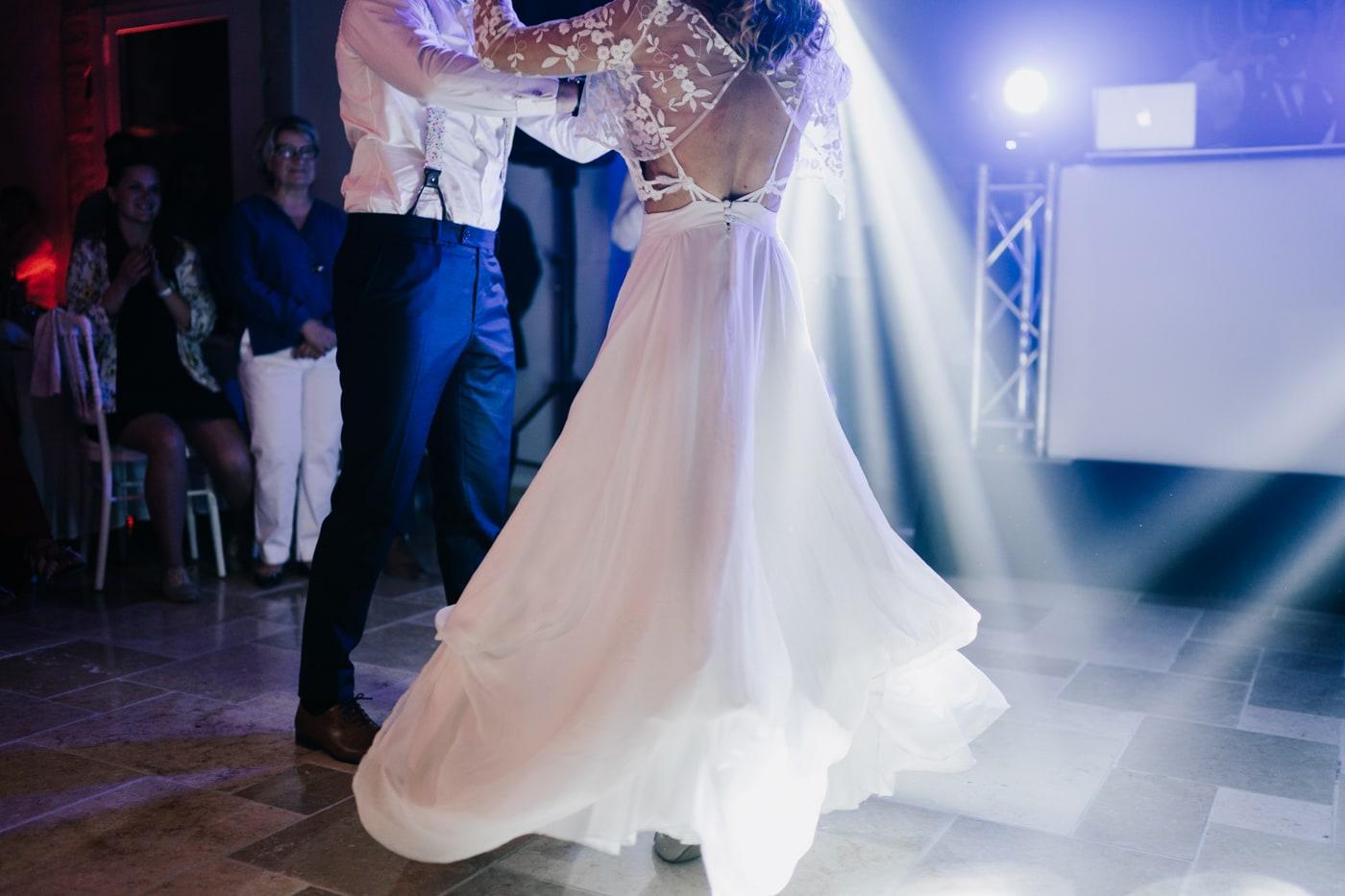 première danse mariage au domaine de la Baratone-Delphine Closse