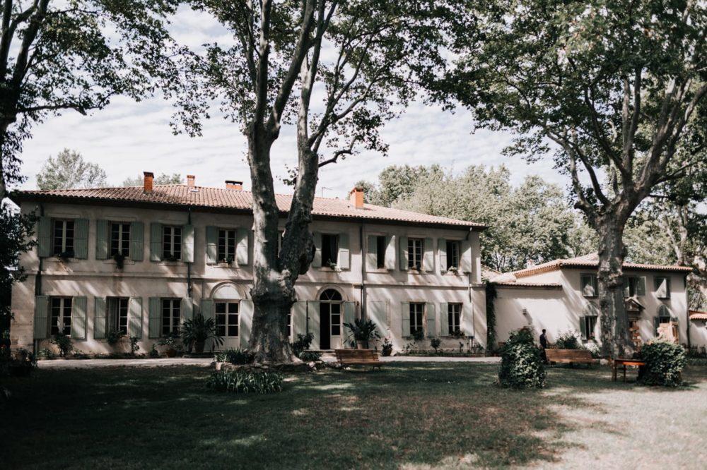 Façade du domaine-Mariage bohème au domaine du taleur-Avignon-Delphine Closse