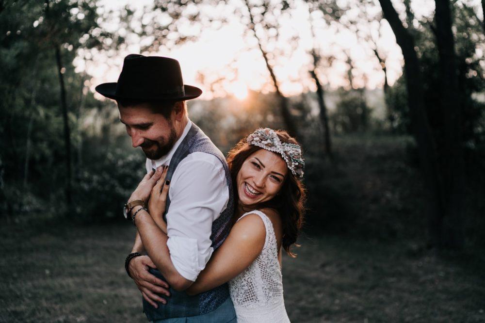 Couple de mariés Gypsy bohème-Mariage bohème au domaine du taleur-Avignon-Delphine Closse