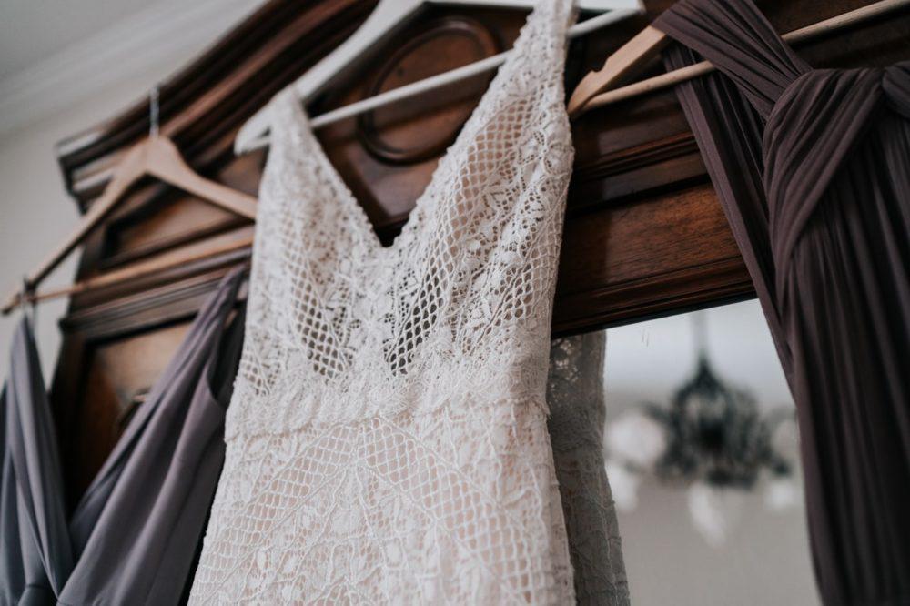 Robe de mariée Bohème-Anna Campbell Australia-Mariage bohème au domaine du taleur-Avignon-Delphine Closse