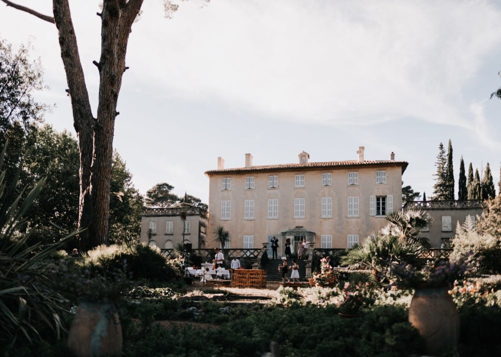 Mariage romantique et moderne à la Cadière d'Azur-Delphine Closse