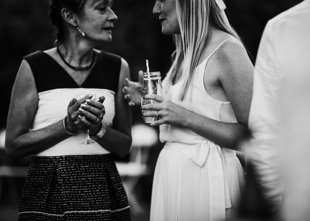 mariée au cocktail-mariage Cadière D'Azur- Domaine de Rochebelle #freeloverock-Delphine Closse