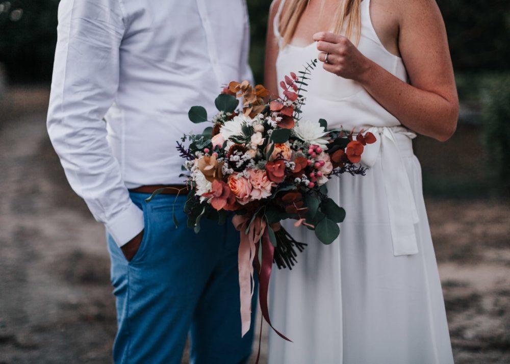 bouquet de mariée par Virginie D'Alessio-mariage Cadière D'Azur- Domaine de Rochebelle #freeloverock-Delphine Closse
