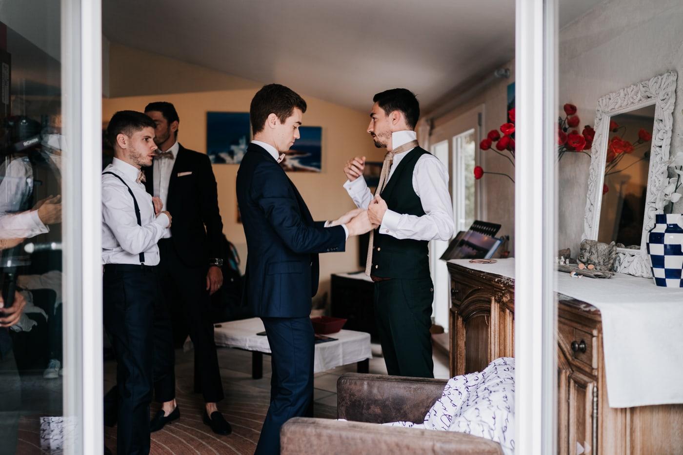 Préparatif marié-Mariage chic et moderne sur l'ile de Barthelasse-Delphine Closse