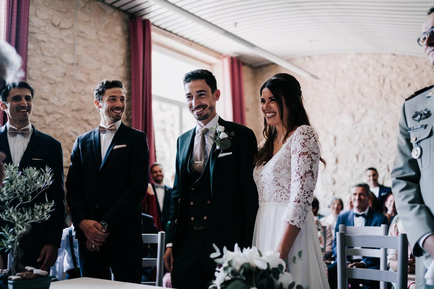 Mariage civile Jonquerette-Mariage chic et moderne sur l'ile de Barthelasse-Delphine Closse