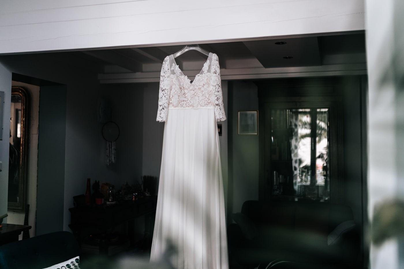 Robe de mariée Lambert création-Mariage chic et moderne sur l'ile de Barthelasse-Delphine Closse