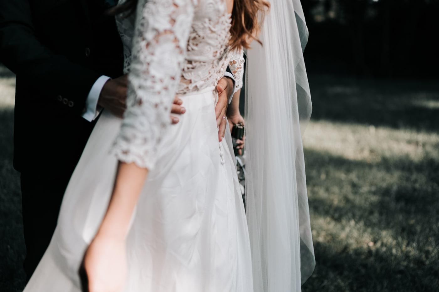 Détail robe de mariée-Lambert création-Mariage Sophie&Paul-Domaine du Taleur-Delphine Closse