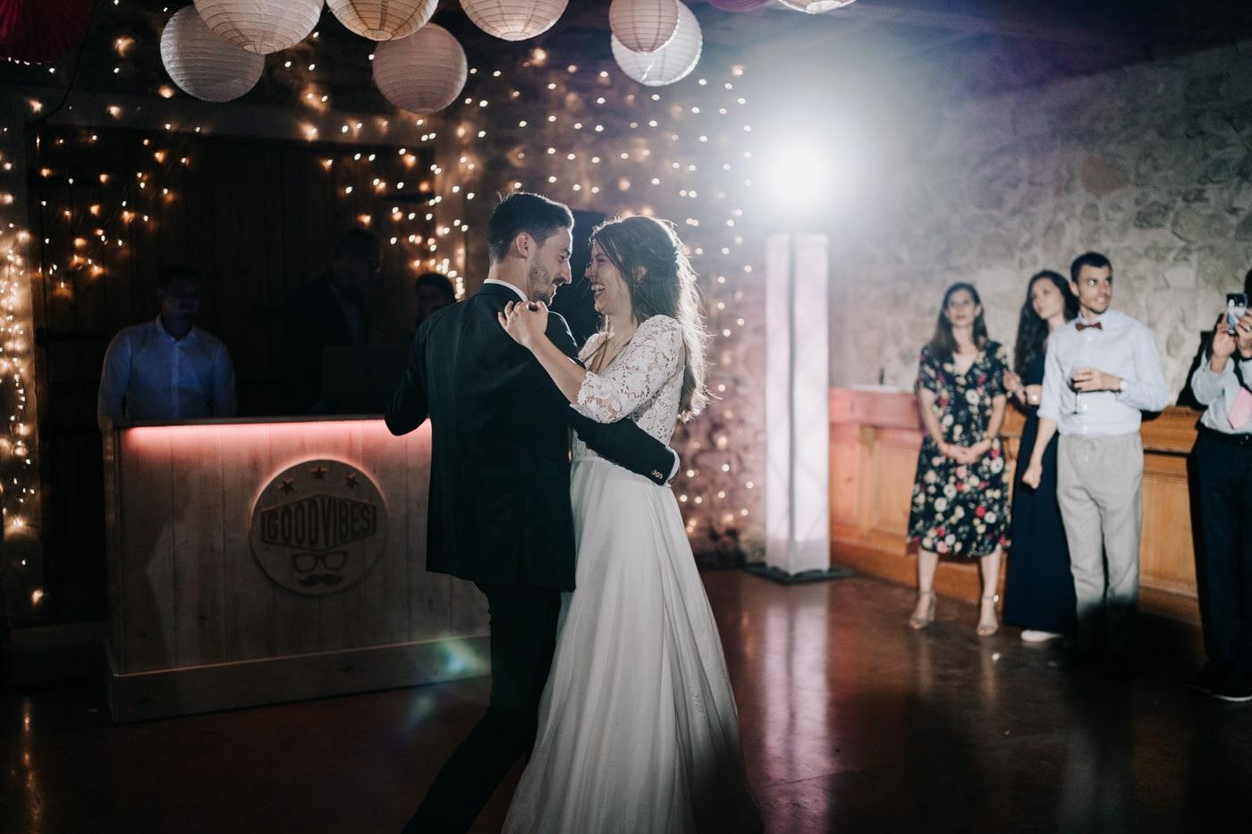 première danse mariés-Mariage Sophie&Paul-Domaine du Taleur-Delphine Closse